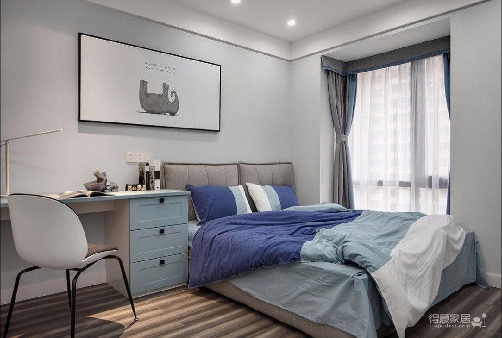 110平米三居室现代简约风格