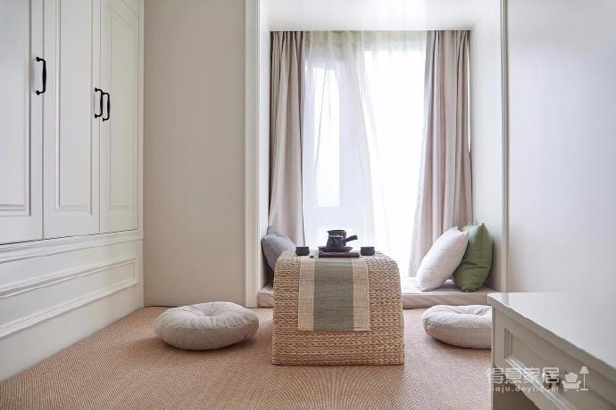 160平美式轻奢风,足够的收纳空间,软装配色彰显着低调的雅致感