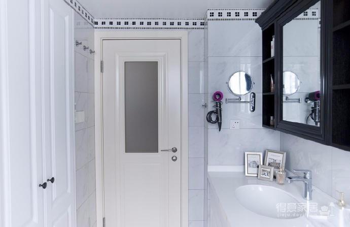 110平美式风格装修,设计师运用现代美式混搭风格,摒弃了传统美式的繁琐和豪华,以舒适为前提,营造出一个现代,自然,雅致的空间氛围