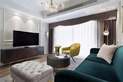115平混搭轻奢风格装修,空间通畅,色调统一。 