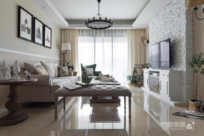 120平现代美式风,朴素的色彩搭配美式的家具,流畅的线条设计勾勒出空间的优雅之美