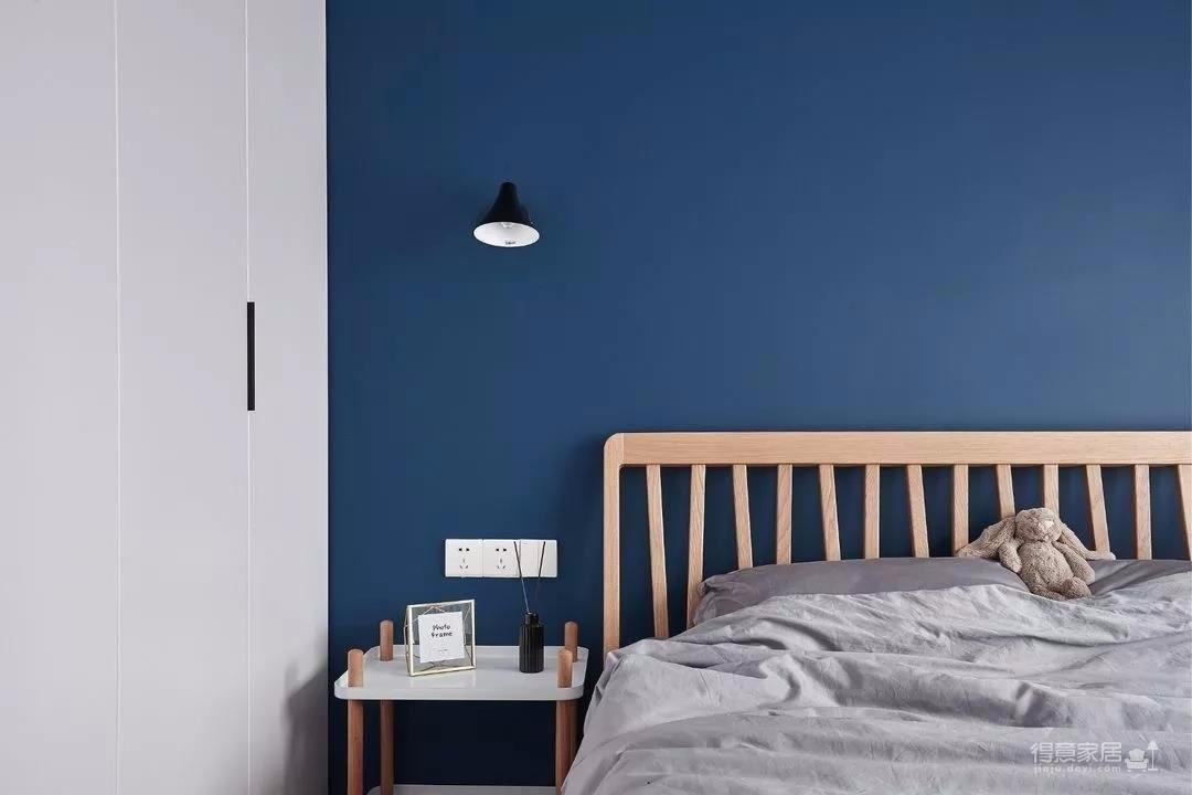 89㎡舒适3居,卧室只刷大蓝墙显高级图_5