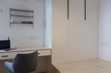 130平三居室北欧风格图_4