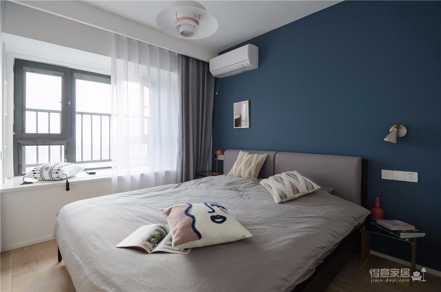 130平三居室北欧风格图_3