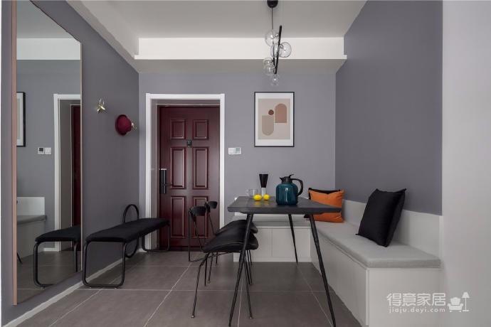 89㎡北欧混搭,简约中性灰为基调,搭配有质感的靛蓝色系,局部点缀橙色系软装,让家有简约的内涵、生动的视觉