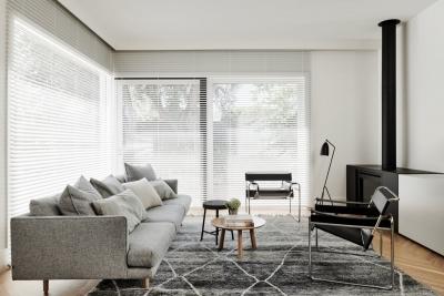 现代开放住宅,既明亮又通风的家