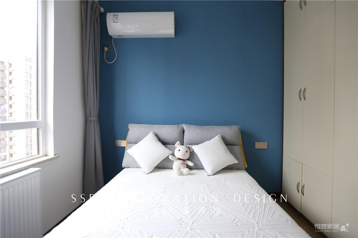 118平三室两厅新中式风