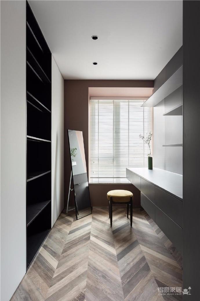 157㎡兼具法式优雅和斯堪的纳维亚式的清新简约三居室。