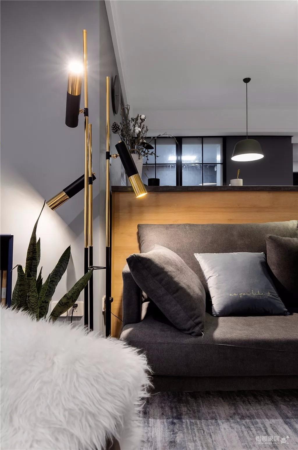 100㎡现代简约新房,灰色与木质,自然的舒适!