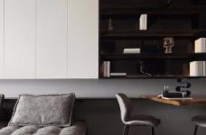 出于空间的限制以及个性化的需求,设计师融入了产品的思维,将餐桌和电视柜都做了悬浮处理,使其成为空间的一部分,而不只是家具图_2