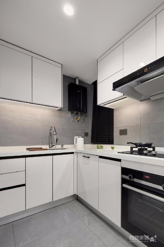 出于空间的限制以及个性化的需求,设计师融入了产品的思维,将餐桌和电视柜都做了悬浮处理,使其成为空间的一部分,而不只是家具图_8