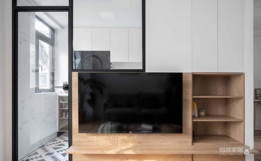 64㎡简约风小户型,电视墙收纳、厨房门改向,昏暗客厅变通透
