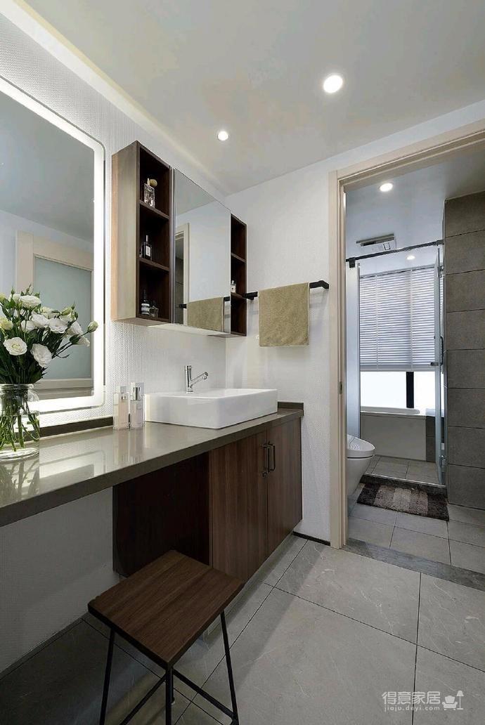 简洁的北欧。白色的墙面、灰黑的家饰、搭配上木质的地板,让生冷的色系,调和出温馨的气氛图_9