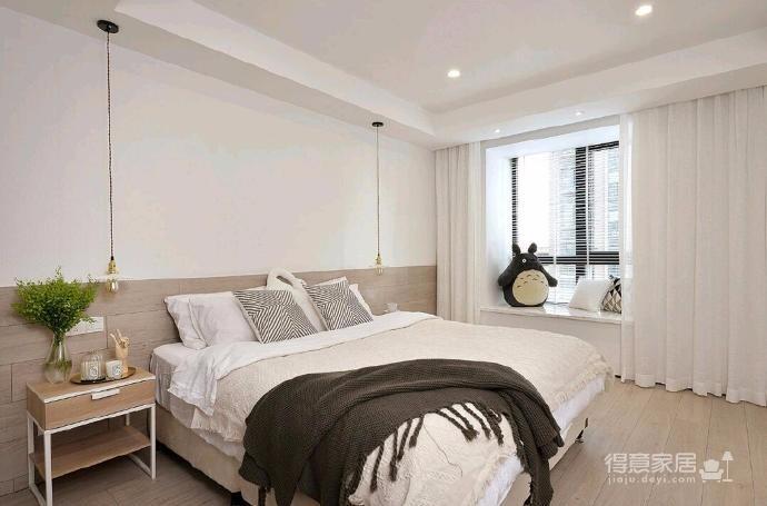 简洁的北欧。白色的墙面、灰黑的家饰、搭配上木质的地板,让生冷的色系,调和出温馨的气氛图_3