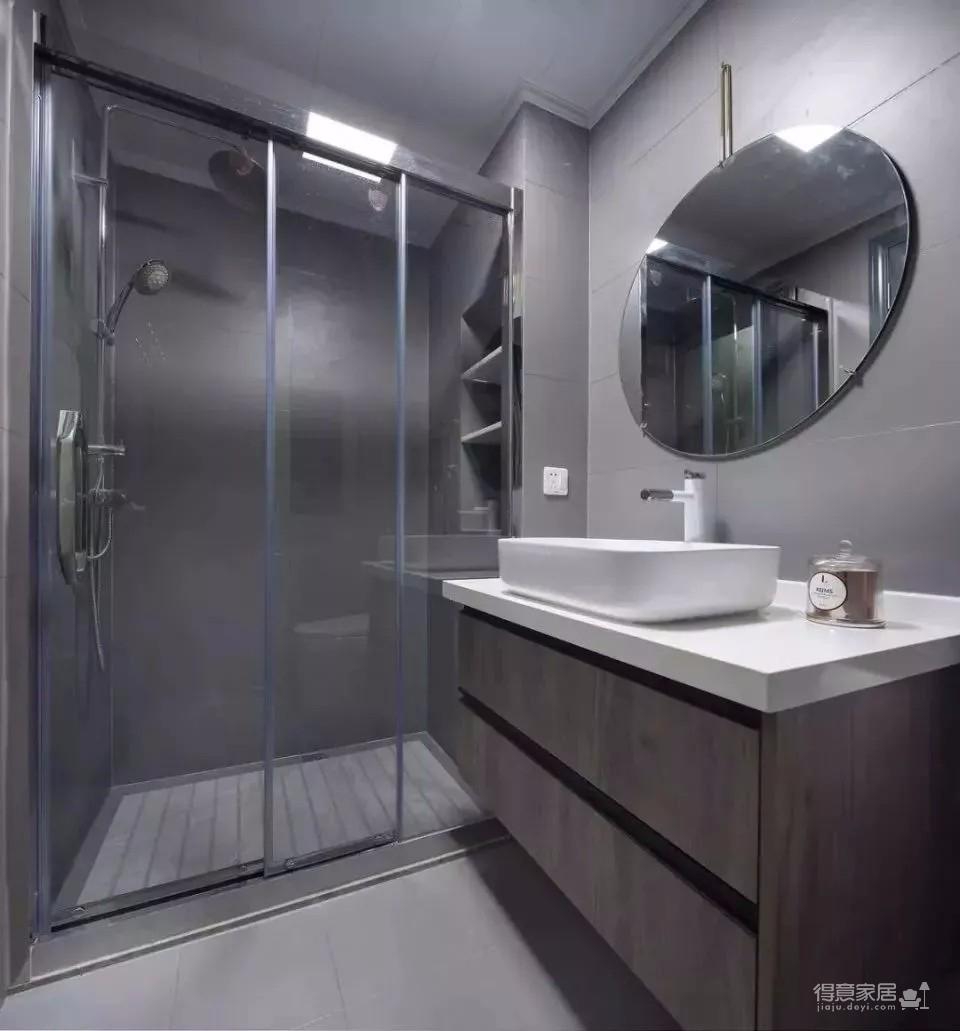 120㎡现代轻奢风三居室装修,简单吊顶+大白墙+整体柜,太有档次了!图_5