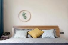 有光的清晨照進客廳真的很美,整體以灰為主的色調搭配淺藍色布藝沙發,構造溫馨的家庭空間圖_6