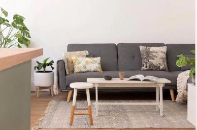 合理分配使用的空间比例,通过空间的色彩和材质上去让空间更加舒适