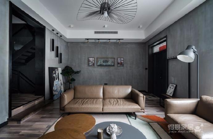 房子的整体风格走的是工业风,风格上一种放荡不羁爱自由的感觉,然而又有一种稳定现实上的视觉感