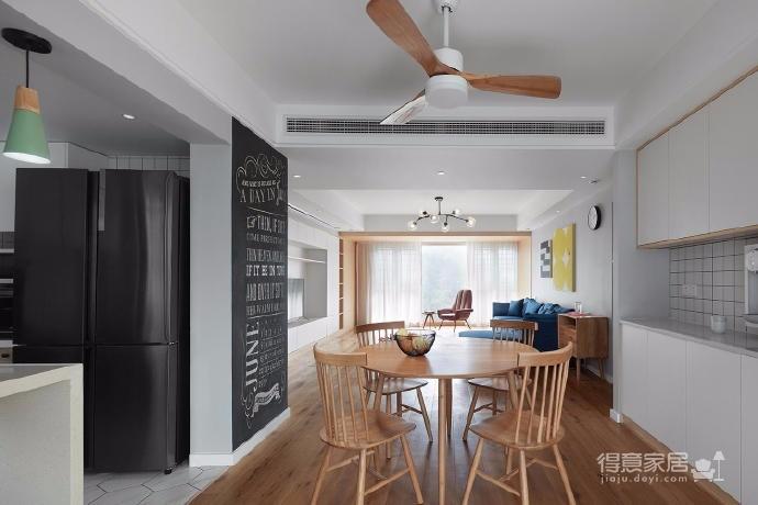 128平米四室两厅北欧风,原木色为底,辅以灰色与白色,空间通透自然图_6