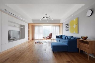 128平米四室两厅北欧风,原木色为底,辅以灰色与白色,空间通透自然