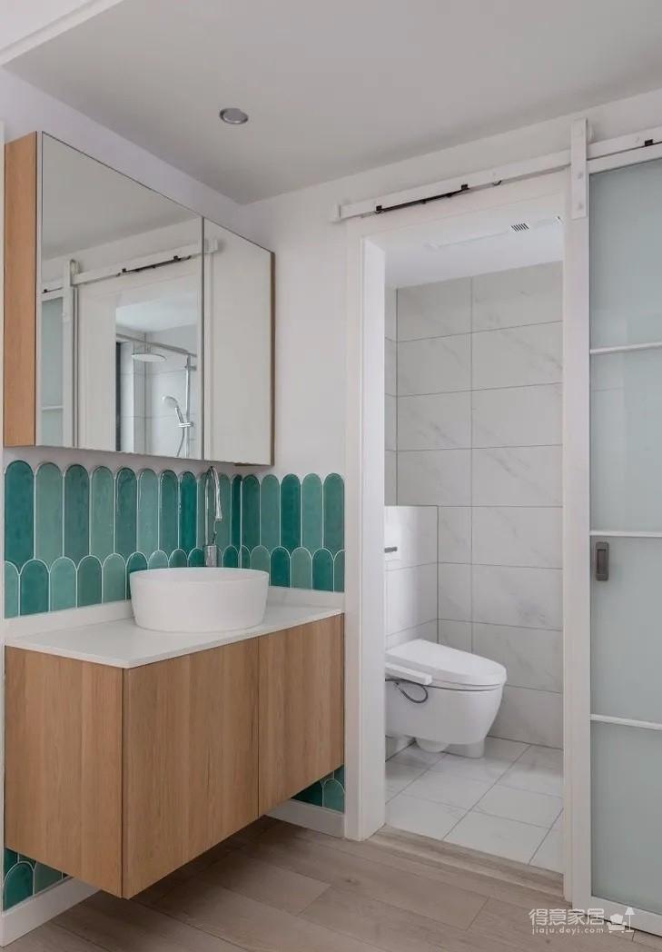 100平溫潤兩居,入戶門正對衛生間,這樣設計聰明極了!