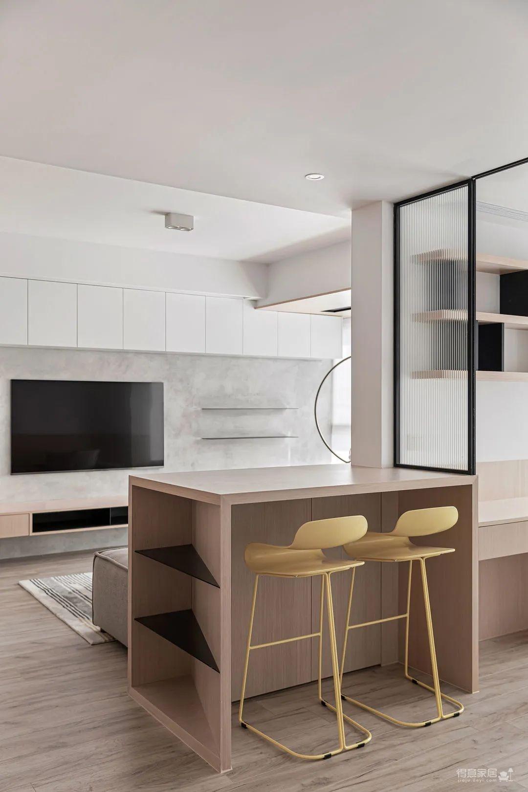 只用一个吧台,89㎡的家就能拥有120㎡的大客厅既视感