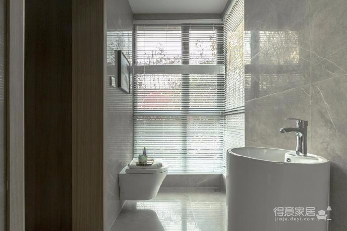 98㎡三居室现代轻奢样板房设计