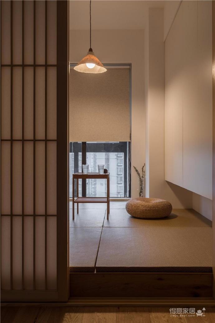 空间的整体基调乃日式极简