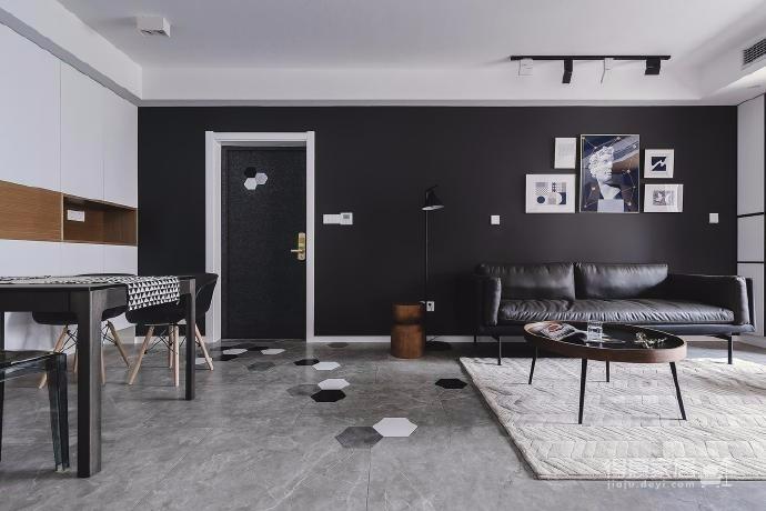 黑与白,冷与暖,强烈的对比,搭配简约而不简单的家具和装饰,碰撞出干净纯粹的现代北欧,时尚大气中增添了几分温馨