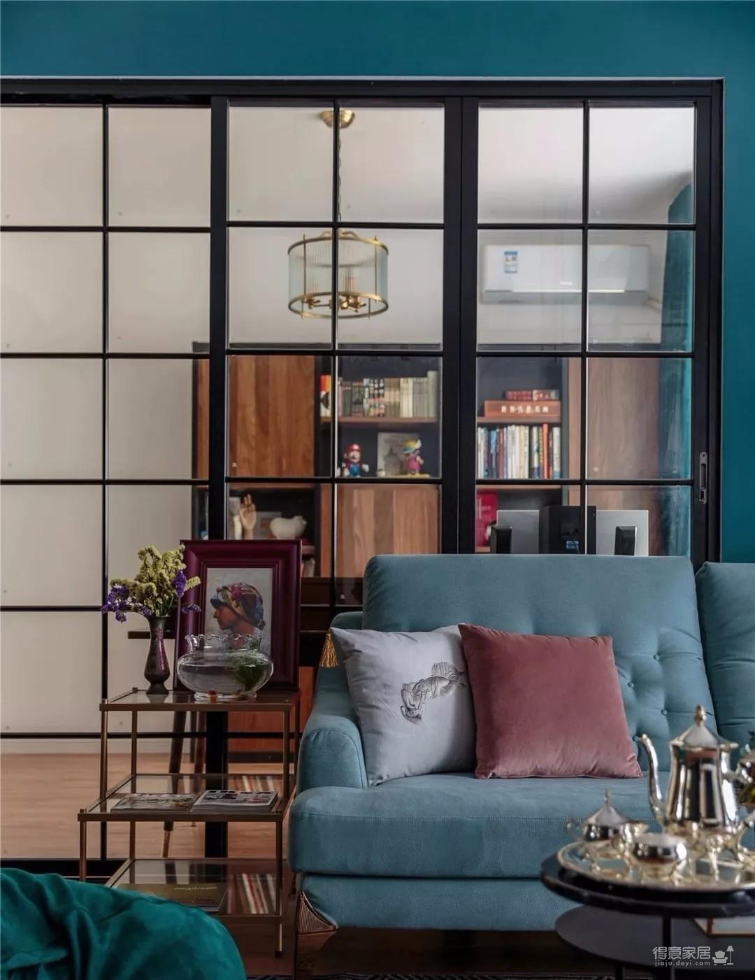 110平复古三室,打通客厅、书房,用玻璃隔断弱化门
