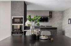 酷黑遇上暖粉,既是家也是烘焙室,230㎡复式小楼惹人羡!图_8