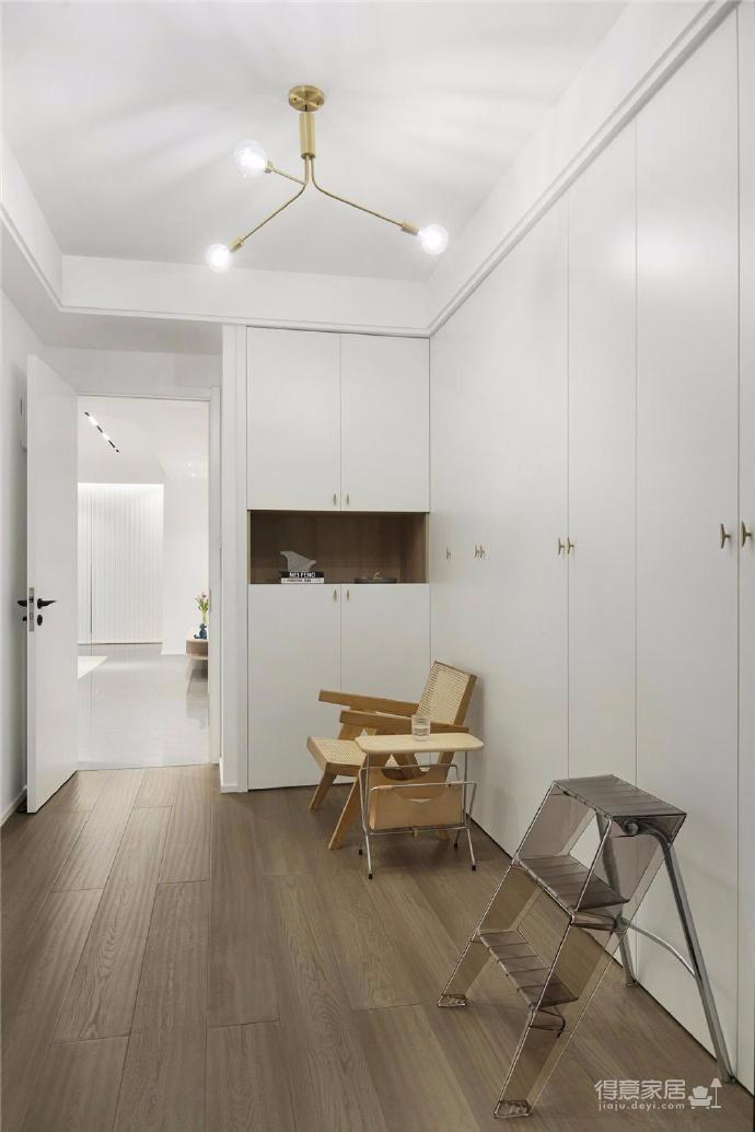木白为主,暖橙点缀,灰色打底,整体空间给人静谧温馨的感觉图_9