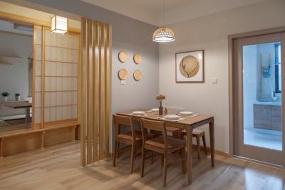 105平原木色日式风,席地而坐的榻榻米一房多用