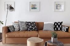 这套案例的风格是北欧风格,业主有收集中式字画的爱好,房子所有的画都是客户自己收集的图_3