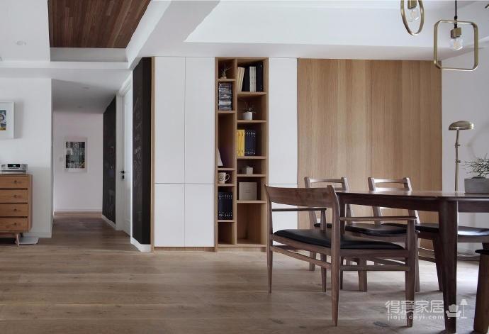 这套案例的风格是北欧风格,业主有收集中式字画的爱好,房子所有的画都是客户自己收集的