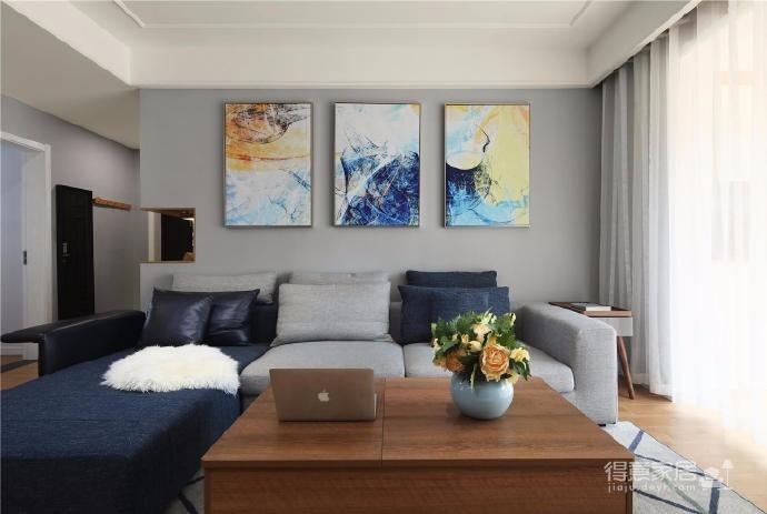 家具的配置虽然简单,但相得益彰,细节之处的考量,让人温暖图_3