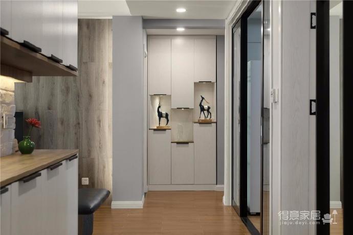 家具的配置虽然简单,但相得益彰,细节之处的考量,让人温暖