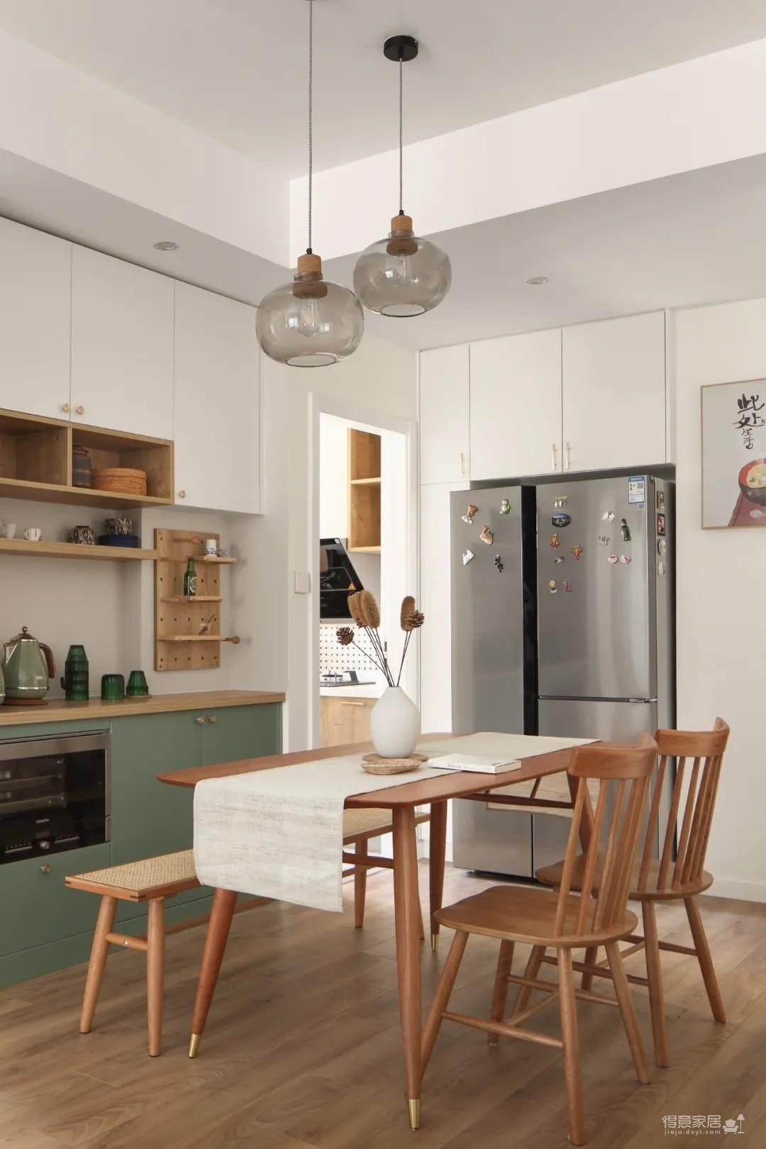 89㎡日式风三居室装修,原木收纳柜+薄荷绿配色,从玄关美到卧室!图_5