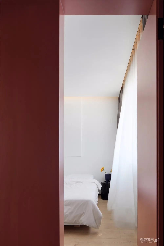 120㎡现代极简风,在光线与色彩的融合下,营造出一种别样优雅的居住体验。