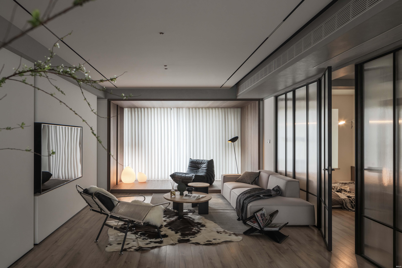 140㎡两间房也太任性了吧!长虹玻璃让安全感与开阔感并存!