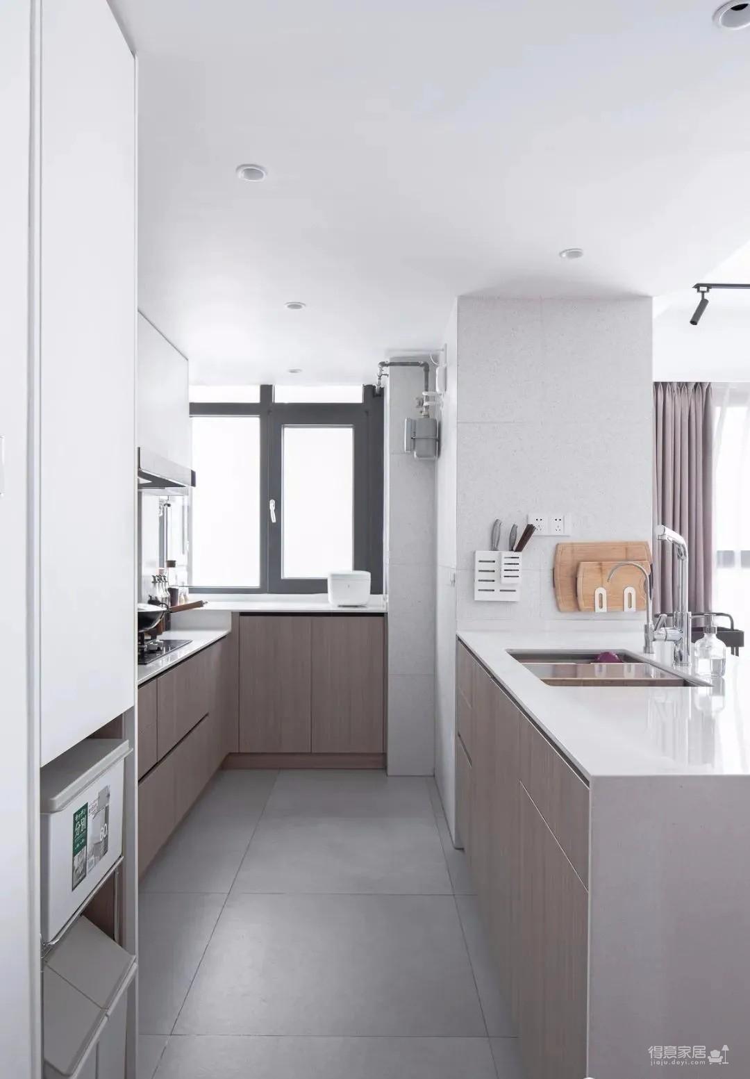 80㎡小三居,客餐厨一体、三分离卫浴…实现三代人的大型交互空间!