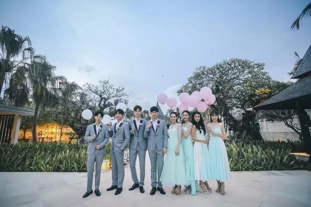 伴郎伴娘要未婚吗_这次和伴郎伴娘的外景拍摄也堪称明星模版,大概这样的婚礼是真的不会