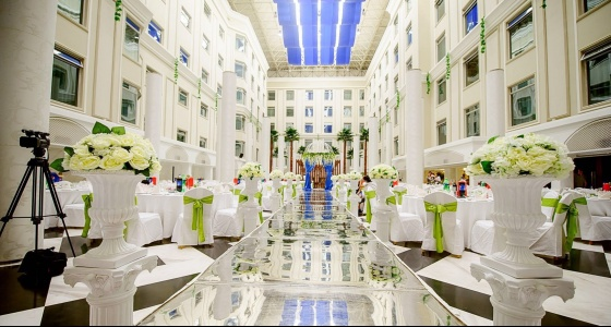 东方建国酒店_武汉东方建国酒店五楼中庭花园