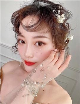 AMY  首席化妆师