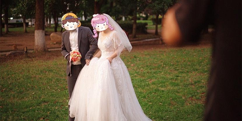 疯狂点赞得意种草的婚纱照,拯救了不会表情管理的直男!